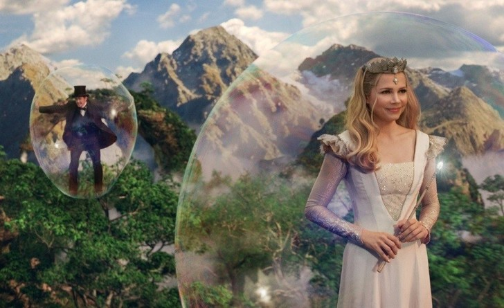 Кадр из фильма «Оз: Великий и ужасный» (Oz the Great and Powerful)