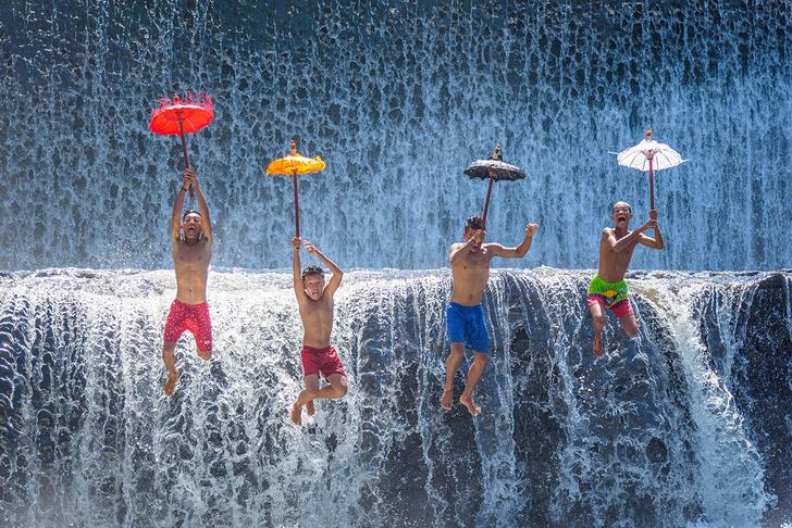 Фото №1 - Утро у водопада