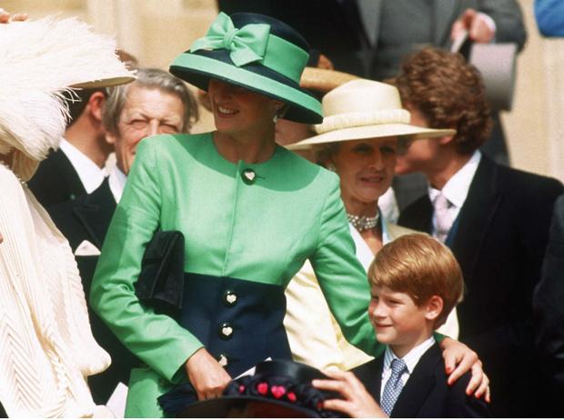 Фото №2 - Боль Гарри: что принц так и не смог простить королевской семье
