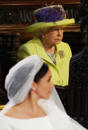 Фото №3 - Невеста с претензиями: за что Меган обиделась на Королеву перед свадьбой