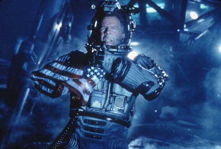 Фото №11 - 10 ляпов и ошибок из фантастических фильмов про космос