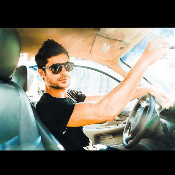 Фото №39 - Звездный Instagram: Селфи в машине