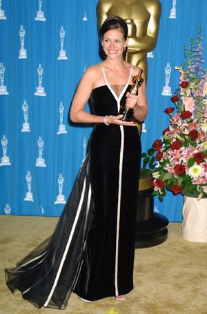 Фото №23 - Легенды «Оскара»: самые известные платья в истории премии