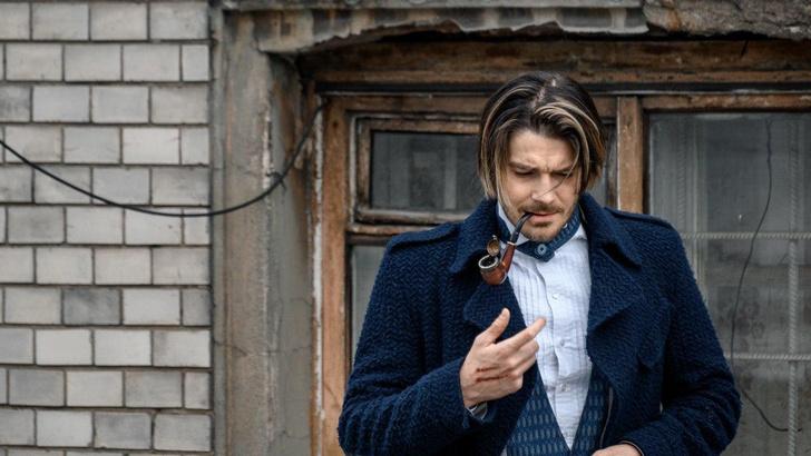 Фото №1 - Отечественный сериал о приключениях Шерлока Холмса в России готовится к выходу