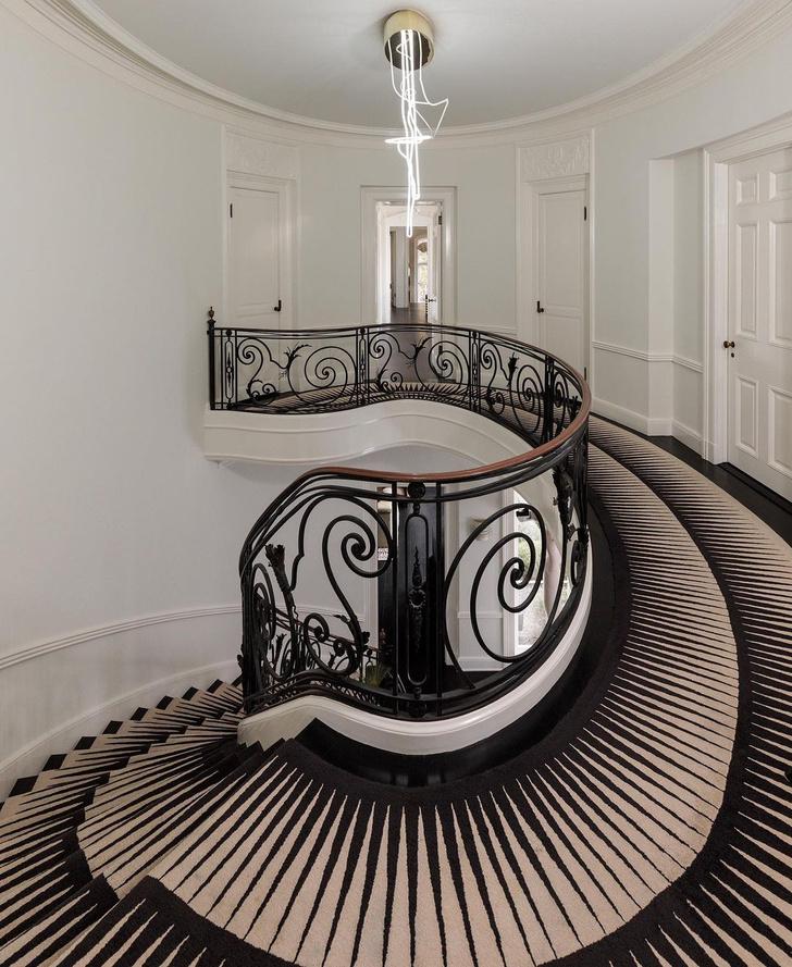 Фото №3 - Вопросы читателей: чем украсить лестницу