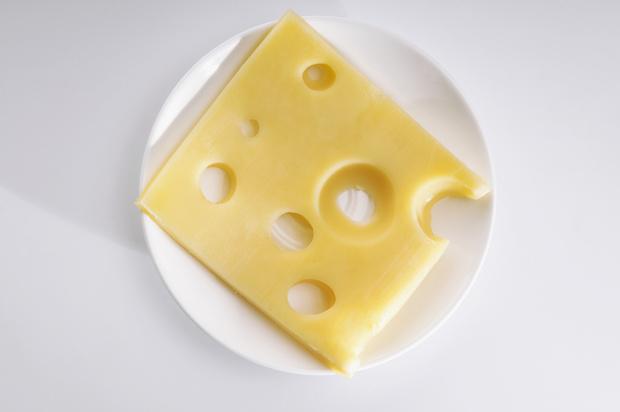 Можно ли ребенку сыр