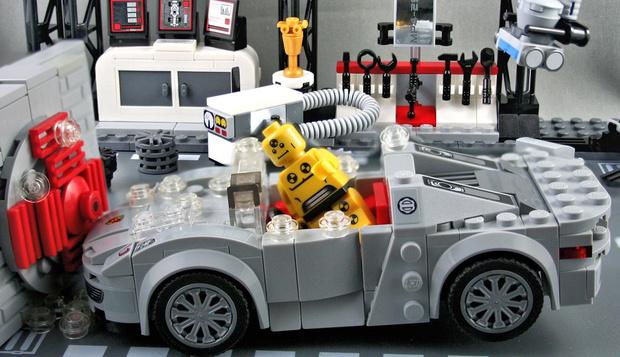 Фото №1 - Немецкий автоклуб устроил краш-тест автомобилей из Lego (видео)