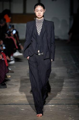 Фото №40 - От классики до сочных красок: лучшие костюмы с Недели моды в Нью-Йорке