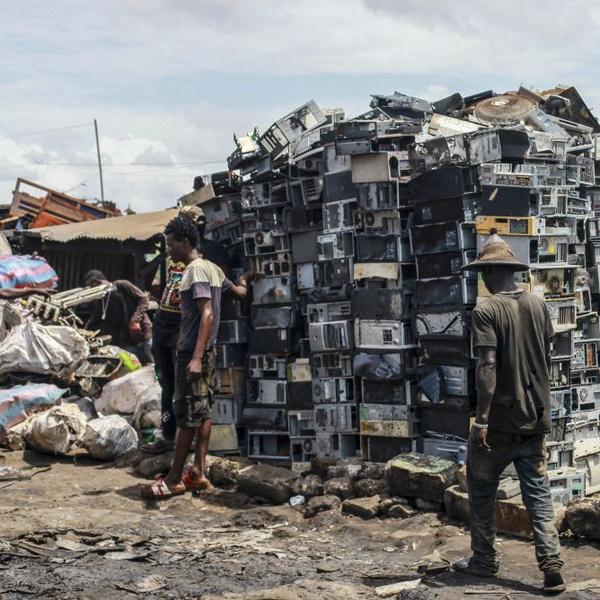 Фото №8 - Прекрасные места планеты, которые люди забросали мусором