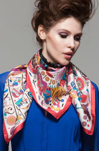 Фото №3 - Sirinbird: сказочные русские платки, популярные не только в России