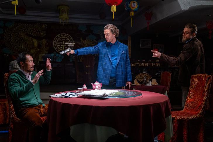 Фото №2 - «Джентльмены»: MAXIM рецензирует новый фильм Гая Ричи, который выглядит как старый фильм Гая Ричи