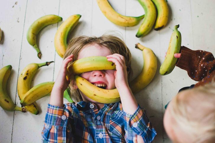 Фото №1 - Чем бананы могут быть опасны для детей: мнение врача