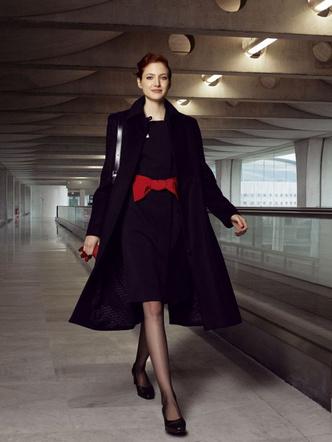 Фото №7 - Небо, самолет, девушка: самые красивые униформы стюардесс в мире