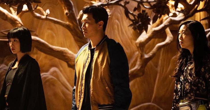 Фото №3 - Критики поделились первыми впечатлениями о новом фильме Marvel «Шан-Чи и легенда десяти колец»