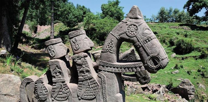 Фото №1 - В Гималаях обнаружено мифическое каменное войско