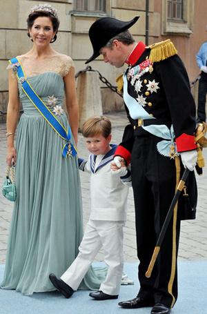 Фото №46 - Самые трогательные моменты королевских свадеб (о Гарри и Меган мы тоже не забыли)