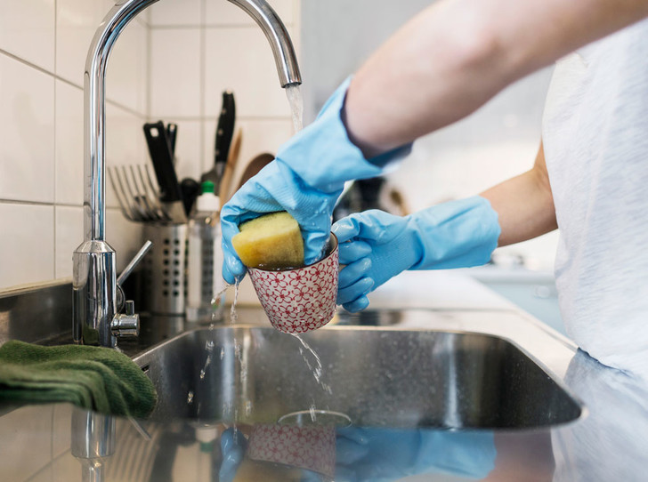 Фото №3 - Особо опасны: 7 самых грязных предметов в доме