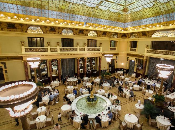 Фото №1 - Отель «Метрополь» открыл новый сезон воскресных бранчей