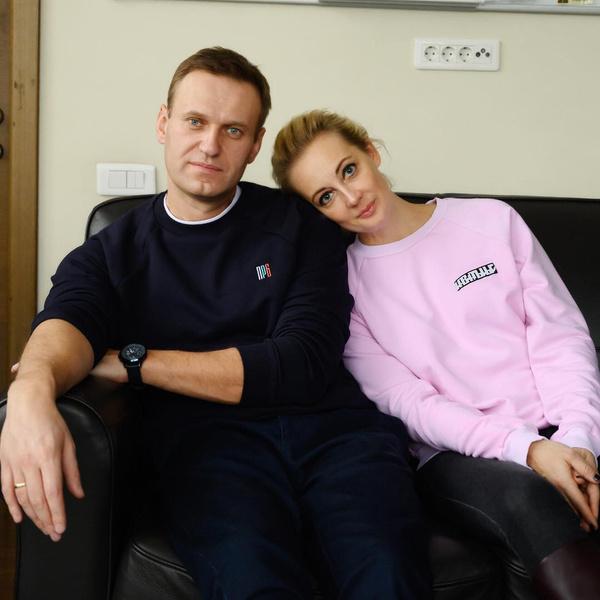 Фото №1 - Уж лучше ролтон! Юлия Навальная в шоке от меню мужа в СИЗО и готовит посылку
