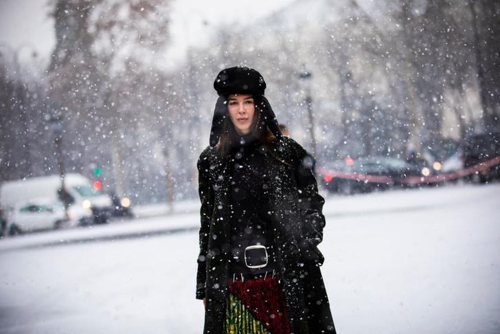 Фото №1 - Как носить шапку-ушанку этой зимой: советы стилиста