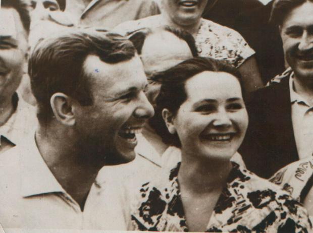 Фото №2 - Валентина и Юрий Гагарины: история космической любви