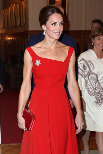 Фото №38 - Одним цветом: как королевские особы носят монохромные образы— 30 вдохновляющих примеров