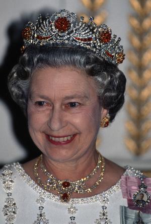 Фото №6 - Камни судьбы: самые роскошные рубиновые тиары королевских семей