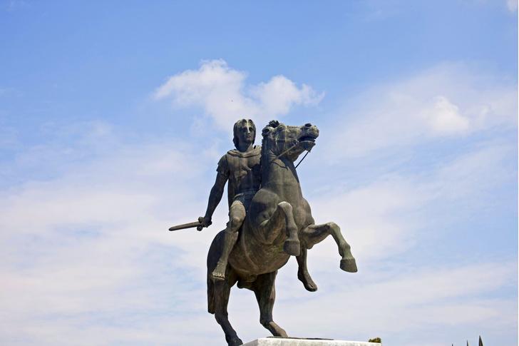 Фото №1 - Названа причина смерти Александра Македонского