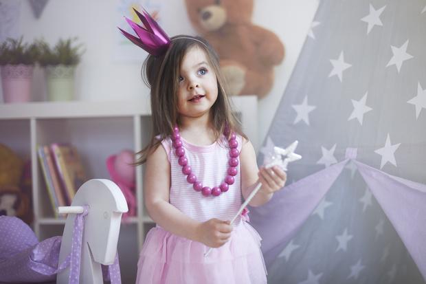 Фото №1 - Мамины амбиции или польза для дочки? Изнанка детских конкурсов красоты
