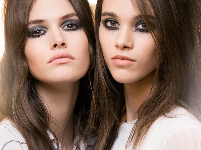 Фото №1 - Магия металла: макияж с показа коллекции Chanel Métiers d'Art 2016
