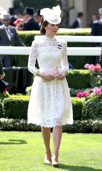 Фото №6 - Чья шляпа лучше: герцогиня Кембриджская и другие на Royal Ascot 2017