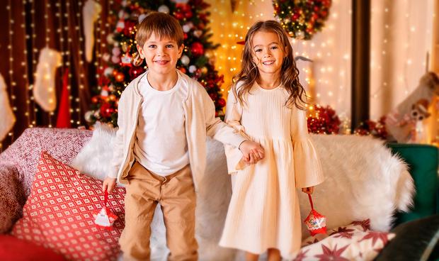 Фото №1 - Kinder дарит уникальное видеопоздравление от Деда Мороза