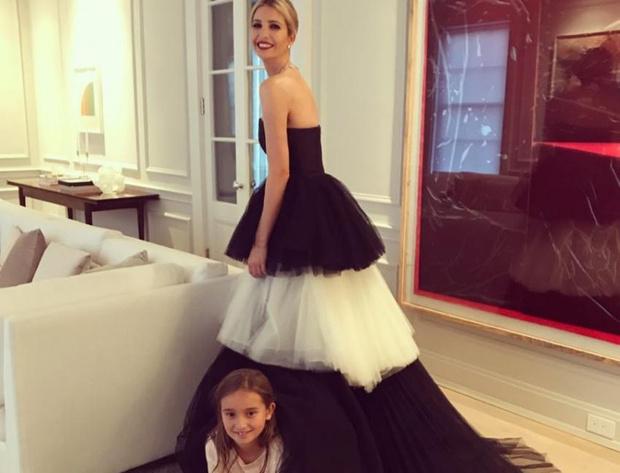 Фото №8 - Американские принцессы: что общего в стиле герцогини Меган и Иванки Трамп