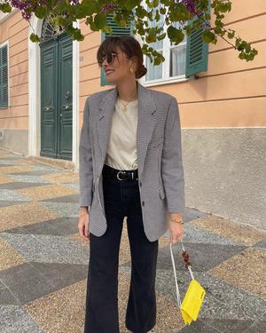 Фото №1 - Где купить любимый пиджак француженки Жюли Феррери?