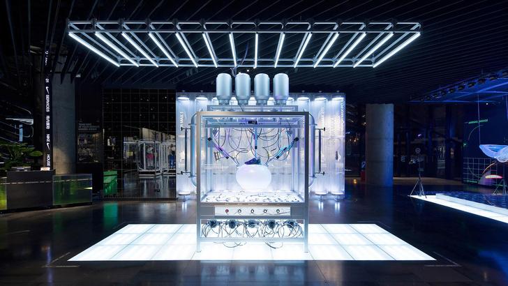 Фото №1 - Флагманский бутик Nike в Шанхае