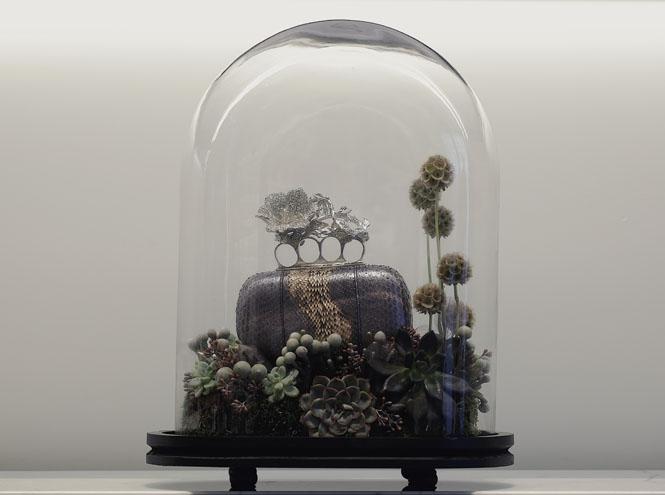 Фото №5 - Под куполом: архивные аксессуары Alexander McQueen