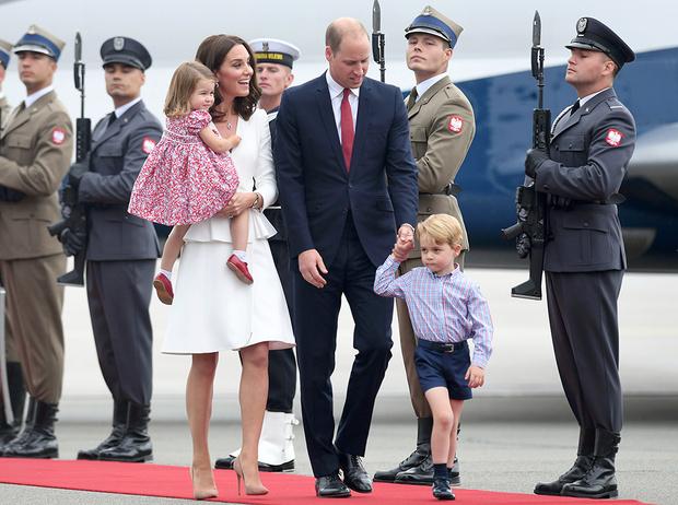 Фото №11 - Из простолюдинок в аристократки: как Кейт Миддлтон изменилась за 10 лет рядом с Королевой