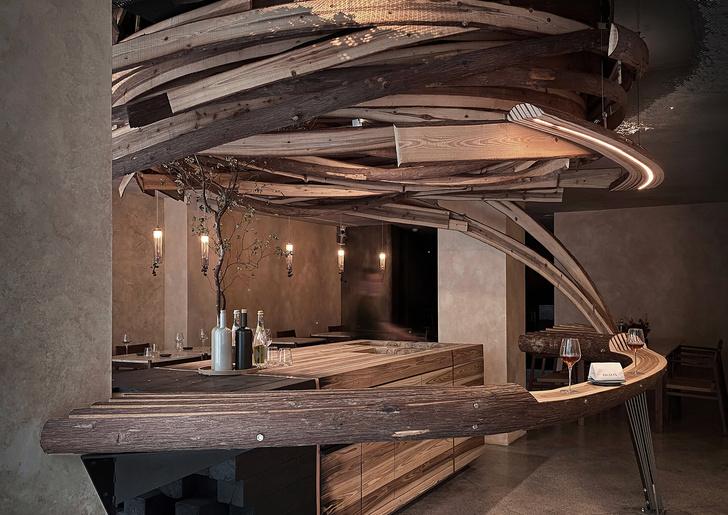 Фото №2 - «Вихрь» из кедровых панелей в ресторане Embers