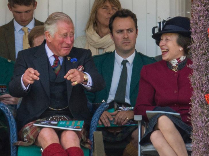 Фото №14 - Старший брат: самые трогательные фото принца Чарльза с принцессой Анной