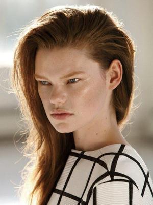 Фото №18 - Страшная сила: 10 моделей с провокационной внешностью, покоривших мир моды
