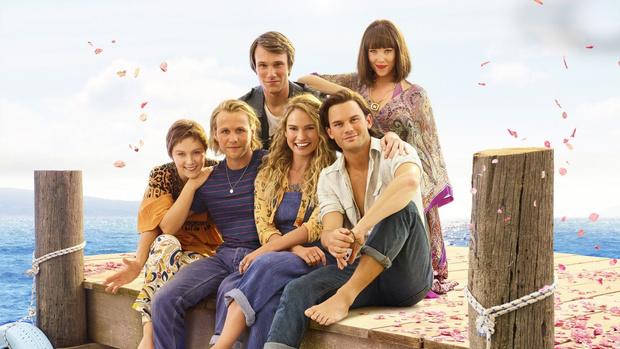 Фото №2 - Стоит ли идти на вторую часть «Mamma Mia»: рецензия без спойлеров