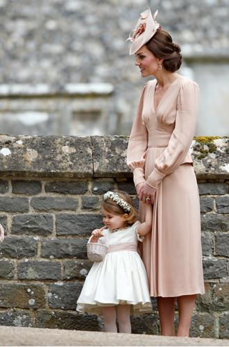 Фото №3 - Дресс-код на королевской свадьбе: в чем Гарри и Меган ожидают увидеть своих гостей