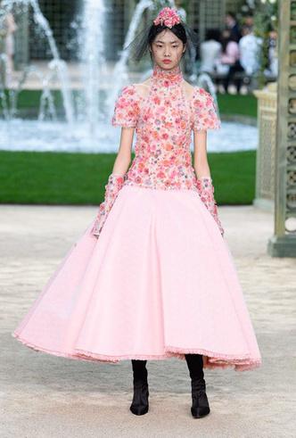 Фото №4 - Цветущий сад Карла: Chanel Haute Couture SS18