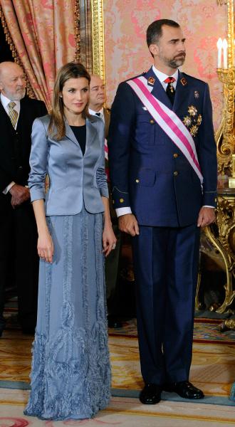 Фото №21 - 15 примеров, когда королевские особы надевали одно и то же вечернее платье несколько раз
