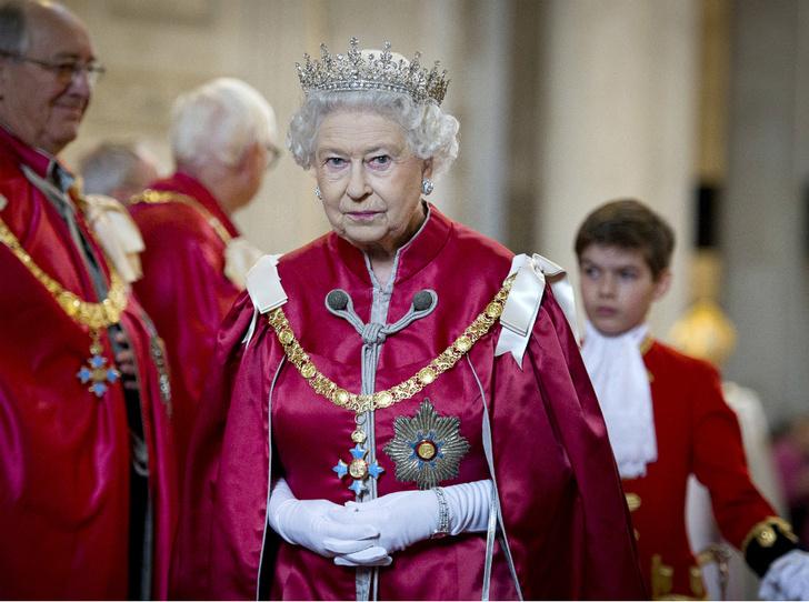 Фото №2 - Решение принято: Елизавета II выступила с заявлением по поводу будущего Сассекских