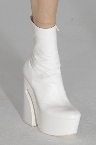 Фото №17 - Самая модная обувь осени и зимы 2021/22