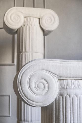 Фото №6 - Уникальные античные скульптуры из текстиля Сержио Рожера