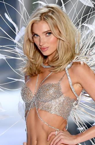 Фото №48 - Полцарства за бюстгальтер: как выглядят все драгоценные Fantasy Bra Victoria's Secret