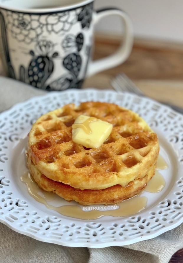 Фото №3 - 3 рецепта полезных завтраков, для которых нужно всего 3 продукта