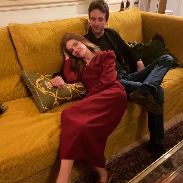 Фото №2 - Мистер и миссис Арно: как Водянова и ее муж провели воскресный вечер